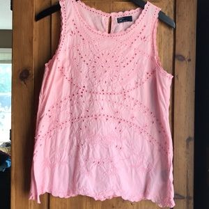 GAP embroidered tank. Lovely peach color. EUC